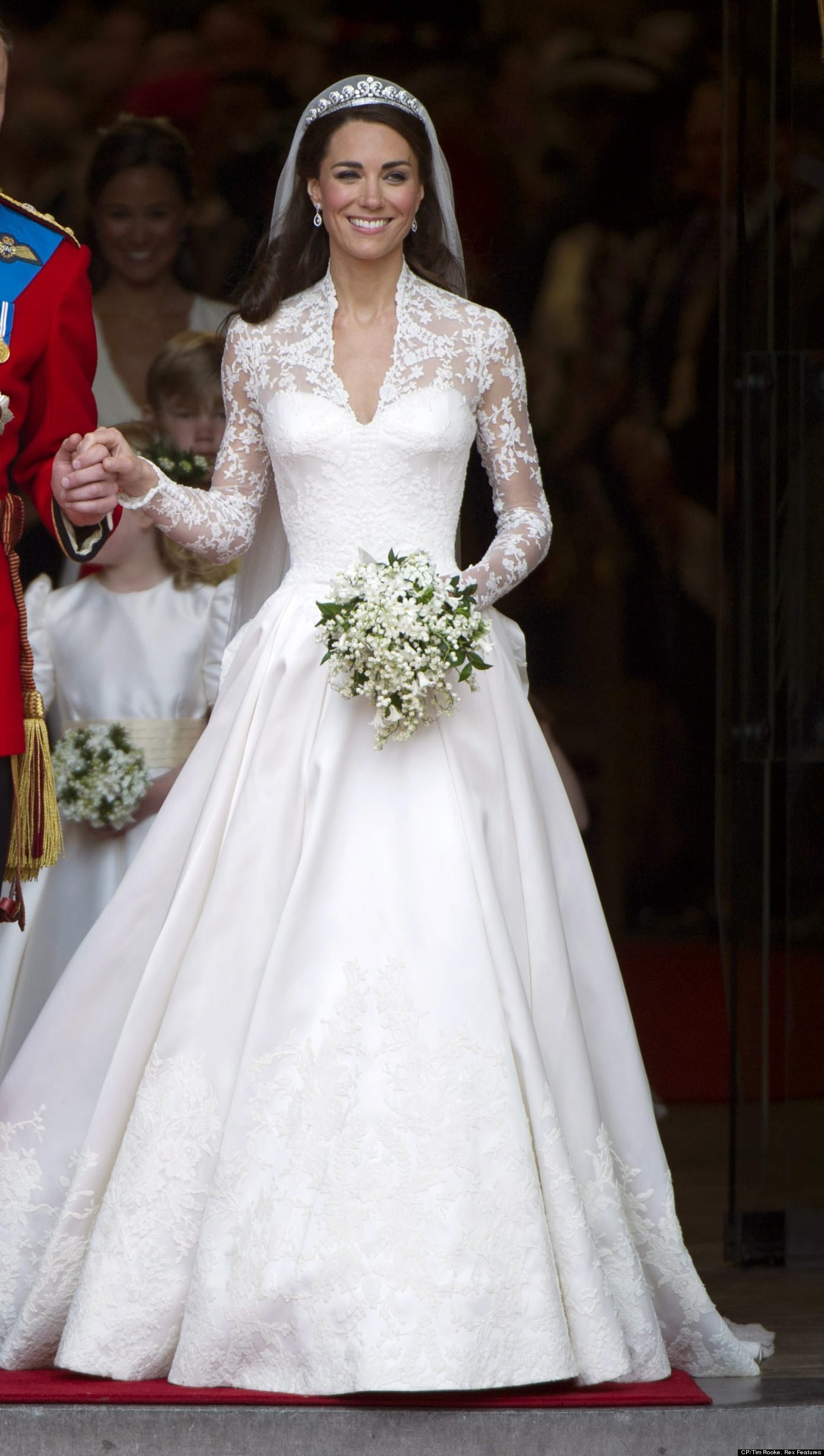 Did @AlexandarMcQueen Steal The Design for Kate Middleton\'s Wedding ...